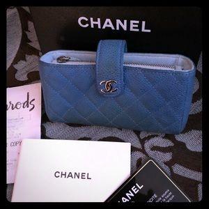 Blue Chanel Caviar wallet/pouch⭐️1 HR price drop‼️